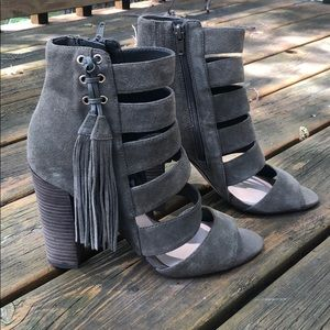 Guess heeled sandal/ ankle boot with tassels